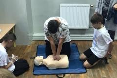 Uczniowie ze Zbylutowa bili rekord w resuscytacji krążeniowo - oddechowej 8