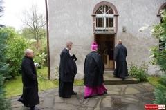 Biskup Marek Mendyk w Radomiłowicach 04
