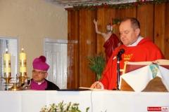 Biskup Marek Mendyk w Radomiłowicach 10