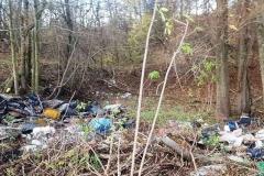 Dzikie wysypisko śmieci w Płóczkach Górnych 5