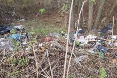 Dzikie wysypisko śmieci w Płóczkach Górnych 6
