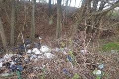 Dzikie wysypisko śmieci w Płóczkach Górnych 7