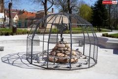 fontanna z czaplą lwówek śląski 2020 5
