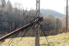 modrzewie-kable-telekomunikacyjne-leżą-na-ulicy-2019-02
