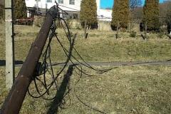 modrzewie-kable-telekomunikacyjne-leżą-na-ulicy-2019-11