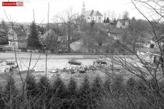 6 Kalwaria w Pławnej - widok na kościół i drogę Pławna -  Lwówek Śląski
