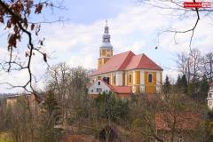 9 Kalwaria w Pławnej -widok na kościół