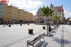 Lwóek Śląski Plac Wolności dolny rynek 15