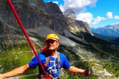 Na stanowisku w czasie wspinaczki w Dolomtiach włoskich