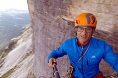 Wspinaczka na 500 m filarze Tofane Di Rozes w Dolomitach włoskich
