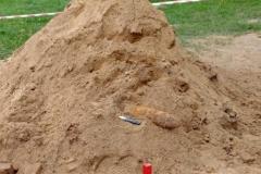 niewybuch na cmentarzu 2