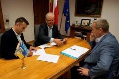 Powiat podpisanie umów z PKS 5