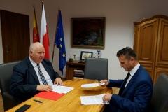 Powiat podpisanie umów z PKS 7