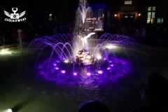 Powitanie wiosny przy fontannie z czaplą