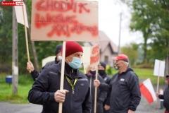 Protest na drodze krajowej w Chmieleniu 09