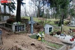Rozkopany grób na cmentarzu w Lwówku Śląskim 08