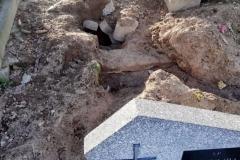 Rozkopany grób na cmentarzu w Lwówku Śląskim 11