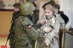 Uczniowie klas mundurowych z nowym sprzętem 2