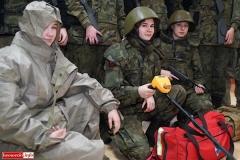 Uczniowie klas mundurowych z nowym sprzętem 5