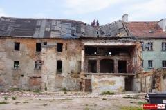 Wali sie budynek w centrum Wlenia 10