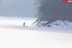 wędkarz lód jezioro pilchowickie 2