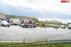 zderzenie motocyklisty ze Skodą wytpadek na DK30 w Krzewiu Wielkim 1