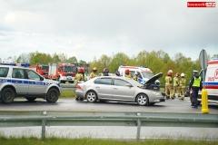 zderzenie motocyklisty ze Skodą wytpadek na DK30 w Krzewiu Wielkim 3
