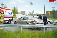 zderzenie motocyklisty ze Skodą wytpadek na DK30 w Krzewiu Wielkim 4