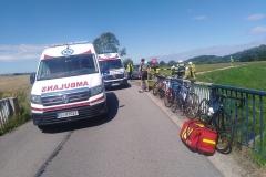 Rowerzysta w stanie ciężkim po wypadku na drodze koło Rębiszowa 1