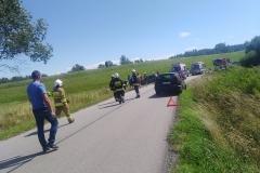 Rowerzysta w stanie ciężkim po wypadku na drodze koło Rębiszowa 2