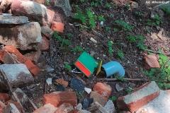 Gruz i śmieci w lesie w Bystrzycy 13