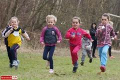 Zawody w biegach przełajowych odbyły się w Rakowicach Wielkich 15